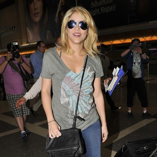 Shakira Arrives at LAX Airport
