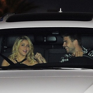 Shakira - Shakira and Gerard Pique Arriving at The FC Barcelona Players' Party