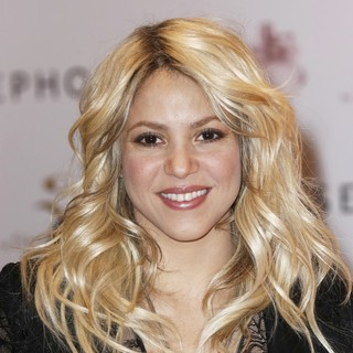 Shakira - Shakira Promoting S by Shakira Perfume Launch
