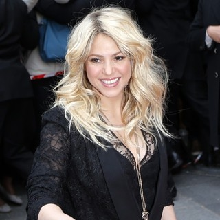 Shakira Promoting S by Shakira Perfume Launch - shakira-s-by-shakira-perfume-launch-03