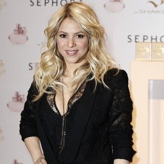 Shakira Promoting S by Shakira Perfume Launch - shakira-s-by-shakira-perfume-launch-07