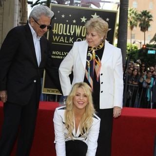 William Mebarak Chadid, Shakira, Nidia del Carmen Ripoll Torrado in Shakira Is Honoured with A Star on The Hollywood Walk of Fame