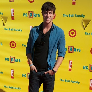 Shane Harper in Arts Loving Families Gather at Express Yourself Barker Hangar - shane-harper-arts-loving-families-gather-01