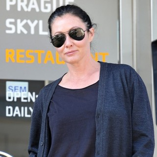 Shannen Doherty in Shannen Doherty and Her Fiance Out Filming A Reality Television Show