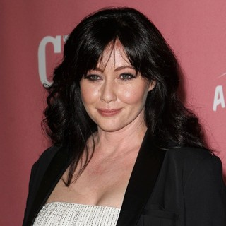 Shannen Doherty in Jennie Garth's 40th Birthday Celebration and Premiere Party for Jennie Garth: A Little Bit Country - shannen-doherty-jennie-garth-40th-birthday-02