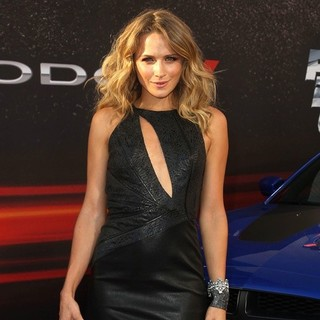 Shantel VanSanten in Los Angeles Premiere of Fast and Furious 6