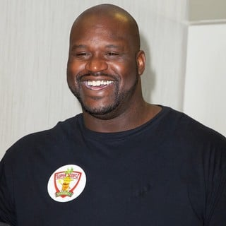 Shaquille O'Neal in Century 21 Department Store Is Partnering with Super Sprowtz and Food Bank for New York City