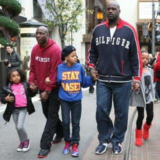 Shaquille O'Neal and His Family Visit Santa