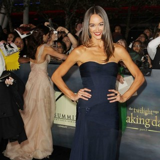 Sharni Vinson in The Premiere of The Twilight Saga's Breaking Dawn Part II