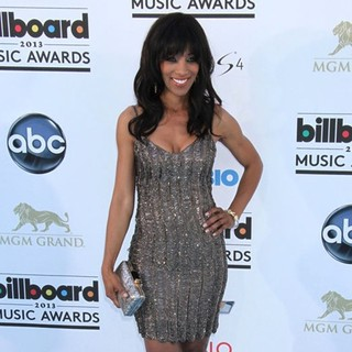 Shaun Robinson in 2013 Billboard Music Awards - Arrivals