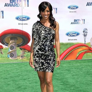 Shaun Robinson in BET Awards 2011