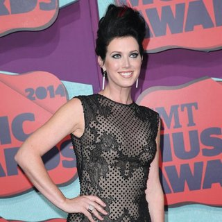 Shawna Thompson, Thompson Square in 2014 CMT Music Awards - Arrivals