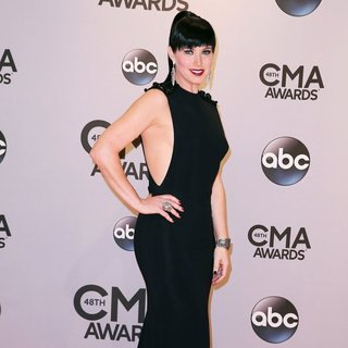 Shawna Thompson, Thompson Square in 48th Annual CMA Awards - Red Carpet