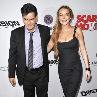 Charlie Sheen in Los Angeles Premiere of Scary Movie 5 - sheen-lohan-premiere-scary-movie-5-01