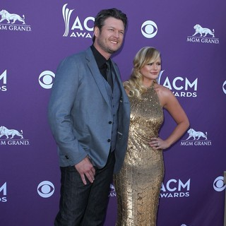 Blake Shelton in 2012 ACM Awards - Arrivals - shelton-lambert-2012-acm-awards-01