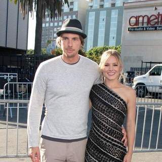 Dax Shepard, Kristen Bell in 2011 Do Something Awards - Arrivals