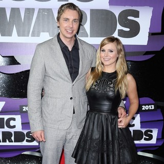 Dax Shepard, Kristen Bell in 2013 CMT Music Awards - Arrivals