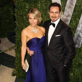 Stefanie Sherk, Demian Bichir in 2012 Vanity Fair Oscar Party - Arrivals