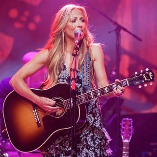 Sheryl Crow in We Walk The Line: A Celebration of The Music of Johnny Cash