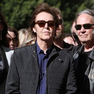 Nancy Shevell, Paul McCartney, Neil Young in Paul McCartney Honored with A Star on The Hollywood Walk of Fame