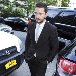 Shia LaBeouf in Shia LaBeouf Arrives at Manhattan Criminal Court