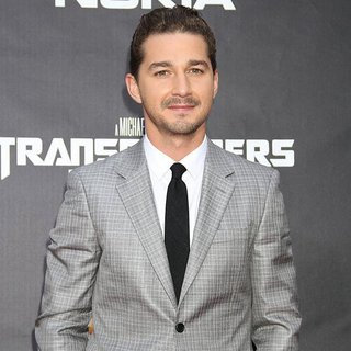 New York Premiere of Transformers Dark of the Moon - shia-labeouf-premiere-transformers-dark-of-the-moon-02