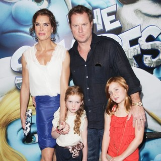 Brooke Shields, Chris Henchy in The Smurfs World Premiere - Arrivals