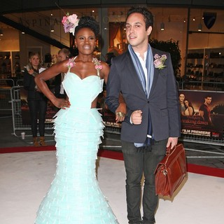 Shingai Shoniwa, Dan Smith in The Twilight Saga's Breaking Dawn Part I UK Film Premiere - Arrivals