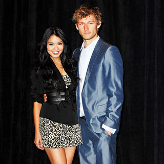 Vanessa Hudgens, Alex Pettyfer in ShoWest 2010 - CBS Films introduces upcoming films