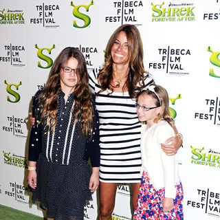 Premiere of 'Shrek Forever After' during the 9th Annual Tribeca Film Festival - Arrivals - shrek_forever_16_wenn2816176