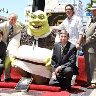 Mike Myers in Shrek is honoured with the 2408th star on the Hollywood Walk of Fame - shrek_walk_of_fame_018_wenn5484180