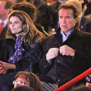 Arnold Schwarzenegger in The Annual Tree Lighting - shriver-schwarzenegger-annual-tree-lighting-01