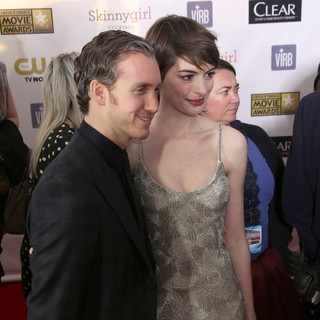 Adam Shulman, Anne Hathaway in 18th Annual Critics' Choice Movie Awards