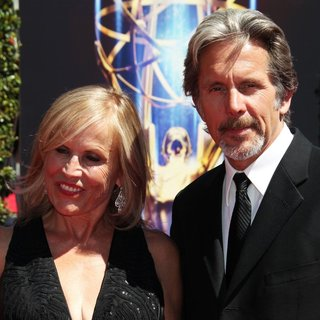 Teddi Siddall, Gary Cole in 2014 Creative Arts Emmy Awards - Arrivals