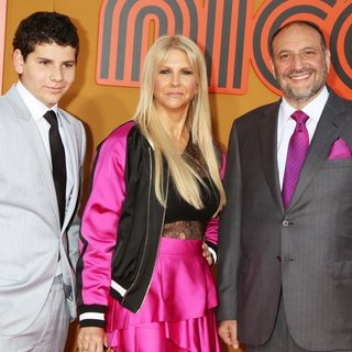 Max Silver, Karyn Fields, Joel Silver in Film Premiere of The Nice Guys