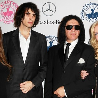 Sophie Simmons, Nick Simmons, Gene Simmons, Shannon Tweed in 26th Anniversary Carousel of Hope Ball - Presented by Mercedes-Benz - Arrivals