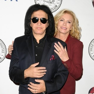 Gene Simmons, Shannon Tweed in The Friars Club Roast of Jack Black