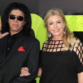 Gene Simmons, Shannon Tweed in The Premiere of Savages