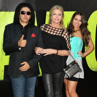 Gene Simmons, Shannon Tweed, Sophie Simmons in The Premiere of Savages