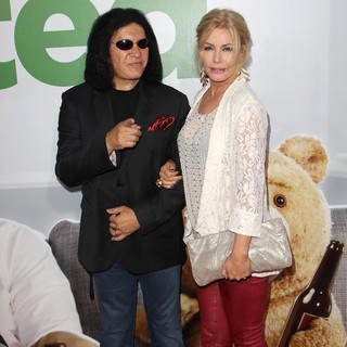 Gene Simmons, Shannon Tweed in The Los Angeles Premiere Ted - Arrivals