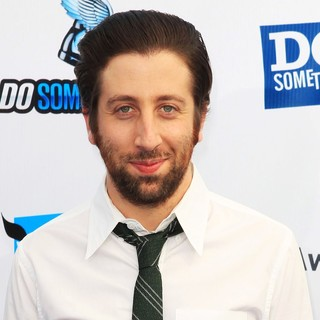 Simon Helberg in The DoSomething.org and VH1's 2012 Do Something Awards