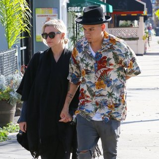 Ashlee Simpson and Evan Ross Have Breakfast