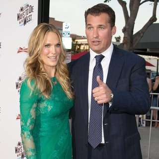 Molly Sims, Scott Stuber in Universal Pictures and MRC World Premiere A Million Ways to Die in the West