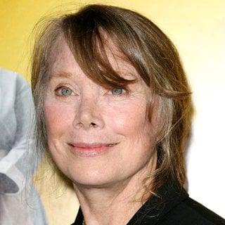 Sissy Spacek in World Premiere of The Help - sissy-spacek-premiere-the-help-01