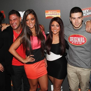 The Situation, JWoww, Ronnie Ortiz-Magro, Sammi Giancola, Deena Nicole, Vinny Guadagnino, DJ Pauly D in Jersey Shore Season 6 Premiere Party