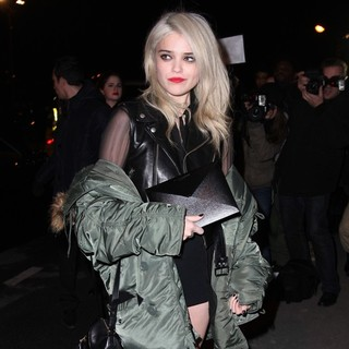 Sky Ferreira - Paris Fashion Week - Autumn-Winter 2013 - Yves Saint Laurent - Outside Arrivals