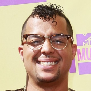 SkyBlu, LMFAO in 2012 MTV Video Music Awards - Arrivals