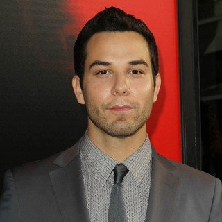 Skylar Astin in Premiere of HBO's True Blood Season 6 - Arrivals