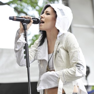 Skylar Grey in Day Two at Lollapalooza