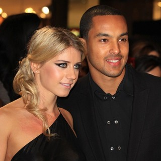 Melanie Slade, Theo Walcott in The Twilight Saga's Breaking Dawn Part I UK Film Premiere - Arrivals
